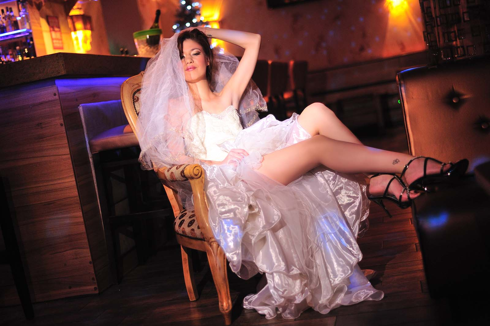 Marilyn Night Club sztriptízbár menyasszony show